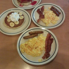 Photo taken at IHOP by Chela D. on 12/21/2012