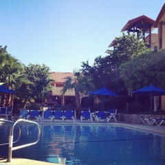 Photo taken at Embassy Suites by Hilton Palm Desert by Matt R. on 4/22/2013