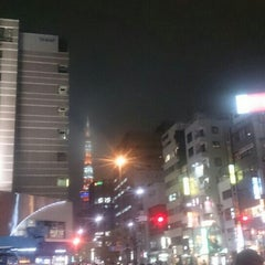 Photo taken at 大門 交差点 by w m. on 8/26/2015