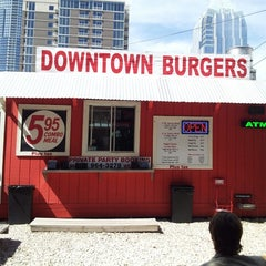 Photo taken at Down Town Burgers by Explorateur V. on 3/6/2013