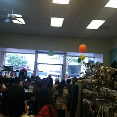 Photo taken at Plato's Closet San Mateo by Sheran H. on 9/14/2013