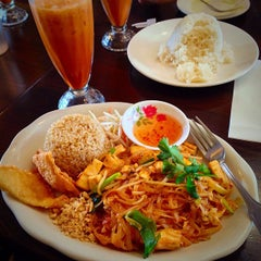 Photo taken at Kozy Corner Thai Cuisine by Charity on 3/30/2015