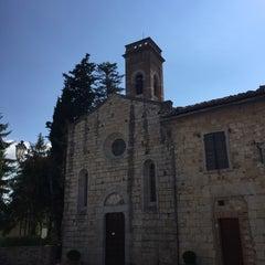Photo taken at Borgo San Felice - Relais & Chateaux by Luis M. on 5/29/2015