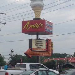 Photo taken at Andy's Frozen Custard by Eddie M. on 5/24/2014