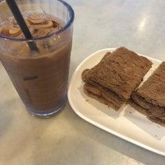 Photo taken at OldTown White Coffee by ara a. on 3/11/2015