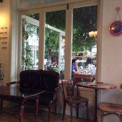 Photo taken at Cafe Michal (קפה מיכל) by Ilya T. on 5/3/2015
