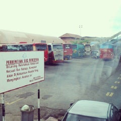 Photo taken at Muar bus express bentayan by Syafiq S. on 1/27/2013