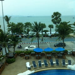 Photo taken at A-One Pattaya Beach Resort by Komsan P. on 5/7/2014