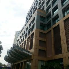 Photo taken at Bank Islam (M) Bhd by Hamdan M. on 8/4/2014