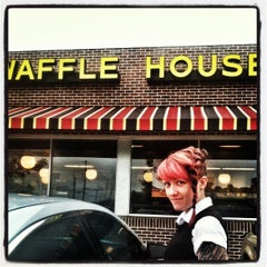 Photo taken at Waffle House by Jeremy A. on 9/20/2012