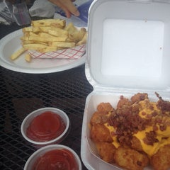 Photo taken at J.R.'s Fresh Cut French Fries by Maribel O. on 5/22/2014