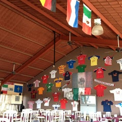 Photo taken at Restaurant Parador De Aurelio by Fer G. on 12/30/2012