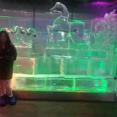 Photo taken at Chillout Ice Lounge Dubai by Julia D. on 4/23/2014