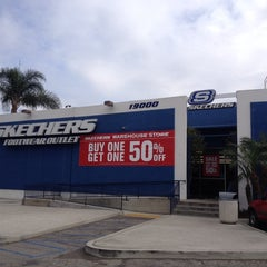 Photo taken at SKECHERS Factory Outlet by Chris jongsoo K. on 1/26/2014