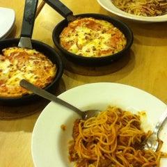 Photo taken at Pizza Hut by TeeeeeJaaaaay C. on 7/12/2013