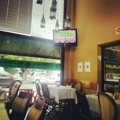 Photo taken at Cedros Restaurante by Stênio N. on 11/4/2012
