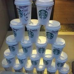 Photo taken at Starbucks by ÖZGÜR Ç. on 4/29/2014