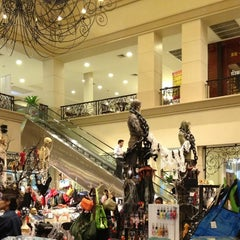 Photo taken at The Crystal (เดอะ คริสตัล) by KhuиNoo G. on 10/22/2012