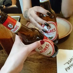 Photo taken at Nando's by Nisa Ç. on 4/10/2016