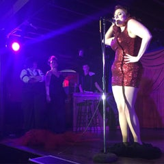 Photo taken at Duck Room at Blueberry Hill by Allan C. on 8/2/2015