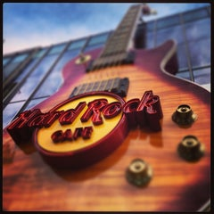Photo taken at Hard Rock Cafe Las Vegas by Andre P. on 2/10/2013
