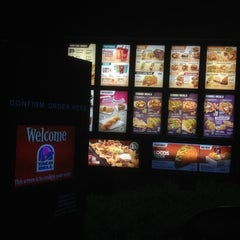 Photo taken at Taco Bell by Jeremy C. on 11/22/2012