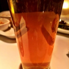 Photo taken at Fleming's Prime Steakhouse & Wine Bar by James W. on 3/26/2015