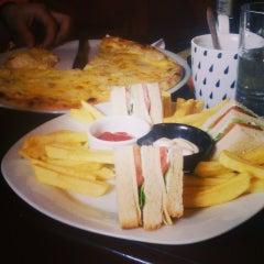 Photo taken at Pizza & Restaurant - Yahoo! by Катерина К. on 2/28/2016