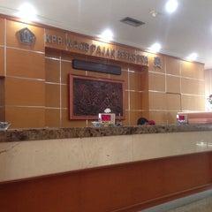 Photo taken at KPP Wajib Pajak Besar Dua (LTO 2) by TJ on 4/11/2014
