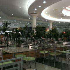 Photo taken at Litoral Plaza Shopping by Rafael A. on 1/7/2013