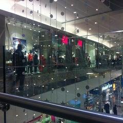Photo taken at H&M by Bao Tran on 12/20/2012