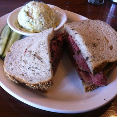 Photo taken at Wise Sons Jewish Delicatessen by Laura F. on 2/23/2013