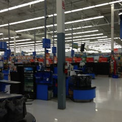 Photo taken at Walmart Supercenter by MikesJewelry T. on 2/21/2013