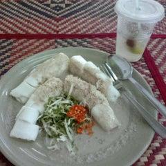 Photo taken at Restoran Baloh by marq a. on 10/10/2012