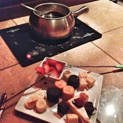 Photo taken at The Melting Pot by Arlene B. on 9/22/2012