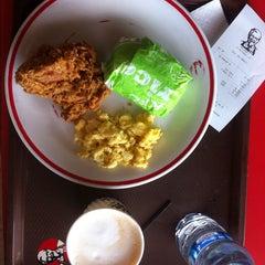 Photo taken at KFC / KFC Coffee by Rizqi Nur Laili on 8/30/2014