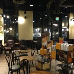 Photo taken at Starbucks by ksauzz on 1/15/2013