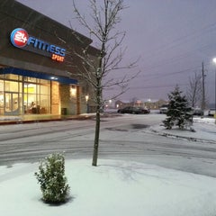 Photo taken at 24 Hour Fitness by Timothy S. on 12/31/2012
