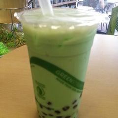 Photo taken at Tea Largo Beverage Co. by Amanda on 6/20/2014