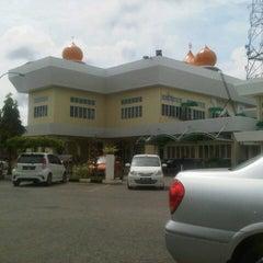 Photo taken at Masjid Telipot (مسجد تليڤوت) by Wan N. on 11/26/2012