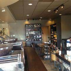 Photo taken at Starbucks by Lina Z. on 5/3/2015