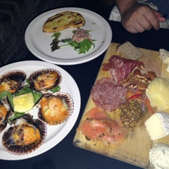 Photo taken at Brasserie Du Vin by Lillian T. on 4/25/2013