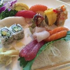 Photo taken at Midori Sushi II by Tetyana V. on 7/10/2014