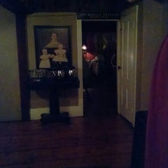 Photo taken at 1640 Hart House by Ruth P. on 10/19/2014