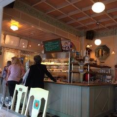 Photo taken at Lilla Parkkafeet by Aline U. on 6/28/2015