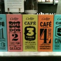 Photo taken at Cielito Querido Café by Krito G. on 11/17/2012