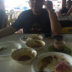 Photo taken at Pasar Besar Dungun by Norlila B. on 12/13/2015