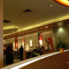 Photo taken at HARRIS Hotel & Conventions Kelapa Gading by Sutan B. on 7/17/2013