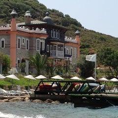 Photo taken at Perili Bay Resort by HAKKI B. on 6/29/2013