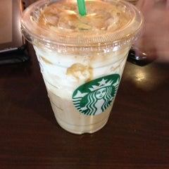 Photo taken at Starbucks by Arturo C. on 6/6/2013